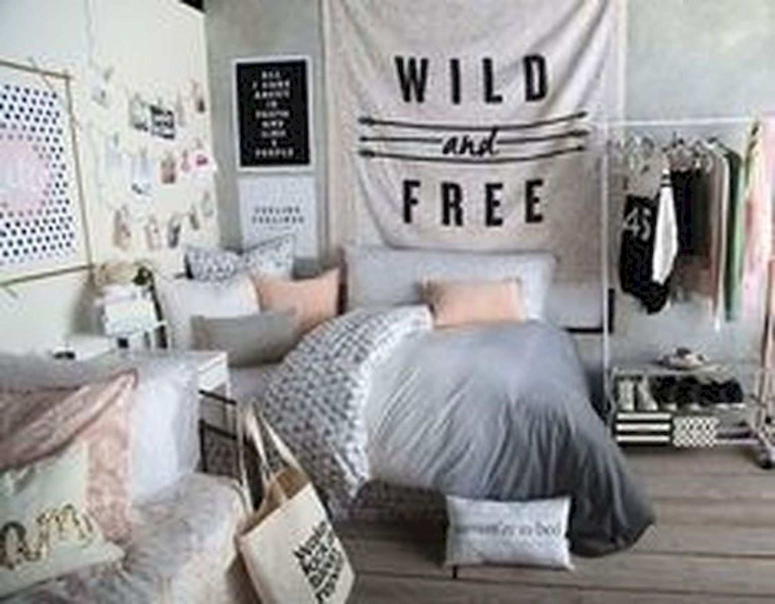 40 Cute Small Bedroom Design And Decor Ideas For Teenage Girl (2)