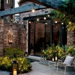 50 Awesome Modern Backyard Garden Design Ideas With Hanging Plants (35)