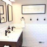 50 Awesome Modern Farmhouse Bathroom Remodel Ideas (9)