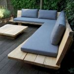 40 Fantastic Outdoor Bench Ideas For Backyard and Front Yard Garden (16)