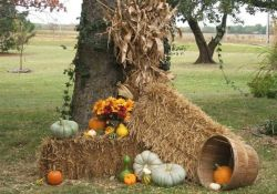 35 Cool Fall Outdoor Decor Ideas You Will Like (1)