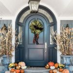 40 Beautiful Fall Front Porch Decorating Ideas That Will Make Your Home Look Amazing (15)