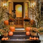 40 Beautiful Fall Front Porch Decorating Ideas That Will Make Your Home Look Amazing (28)