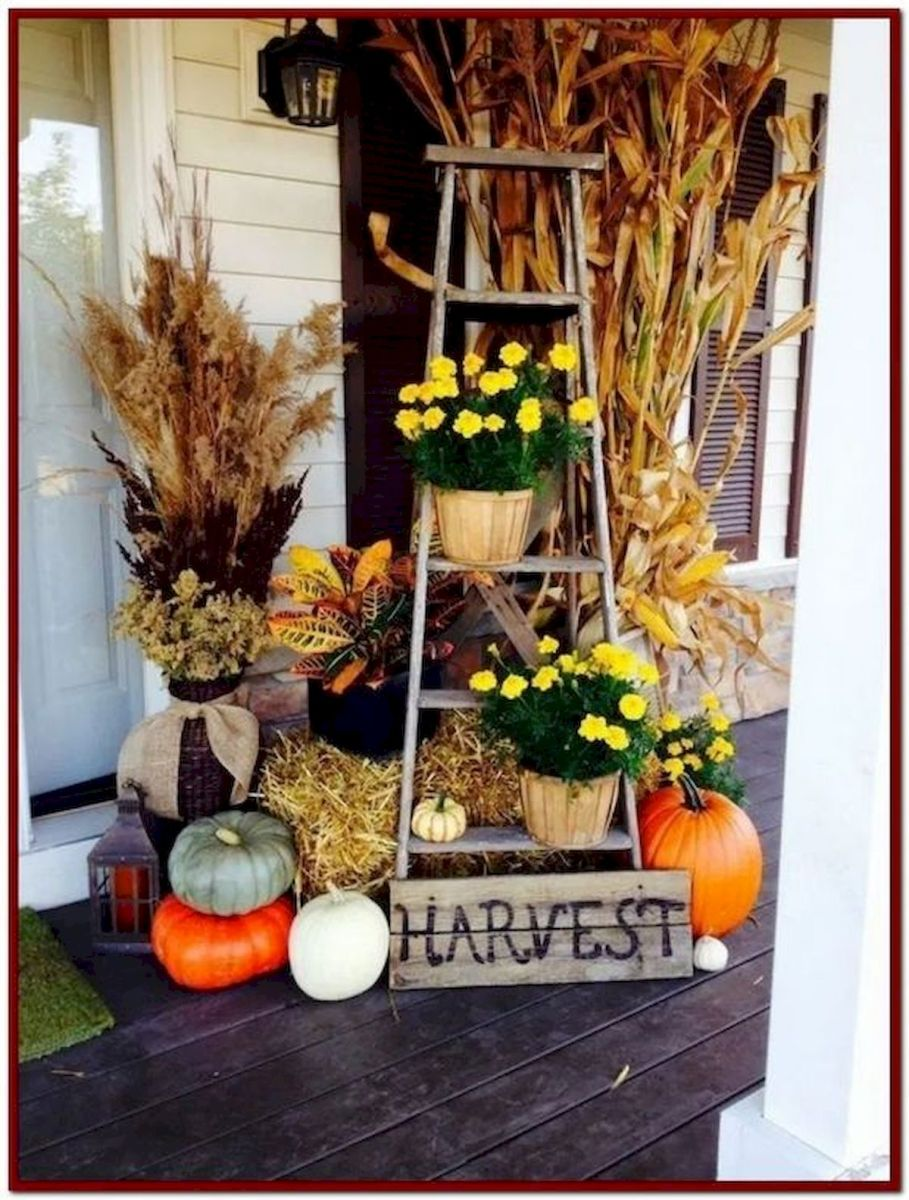 40 Beautiful Fall Front Porch Decorating Ideas That Will Make Your Home Look Amazing (7)