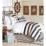 20 Best Coastal Farmhouse Bedroom Decor Ideas (16)