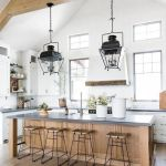 20 Best Farmhouse Dining Room Lighting Decor Ideas (11)