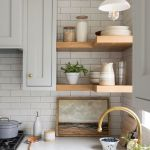 20 Best Farmhouse Kitchen Cabinets Decor Ideas (4)