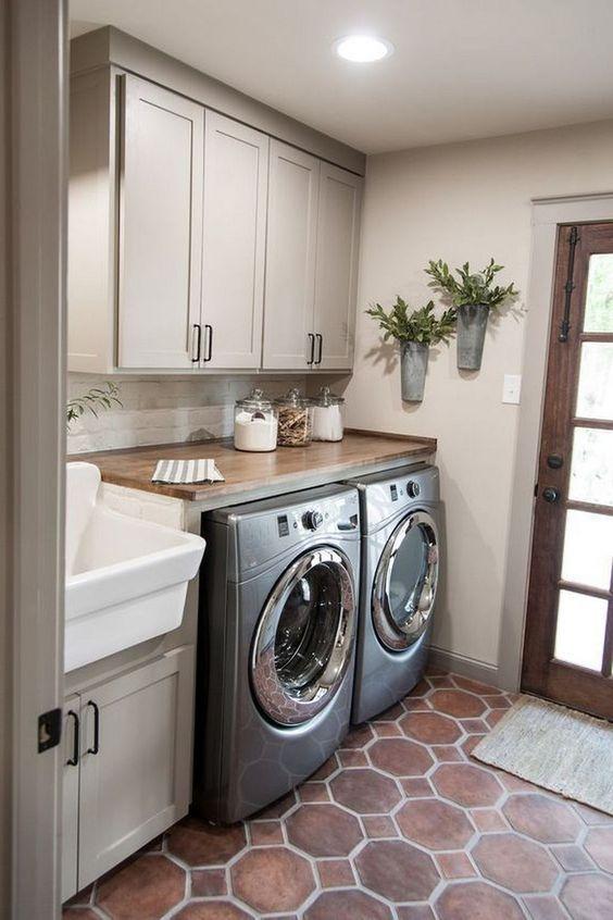 20 Best Farmhouse Laundry Room Decor Ideas (3)
