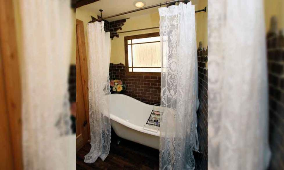 bathroom with shower curtain ideas