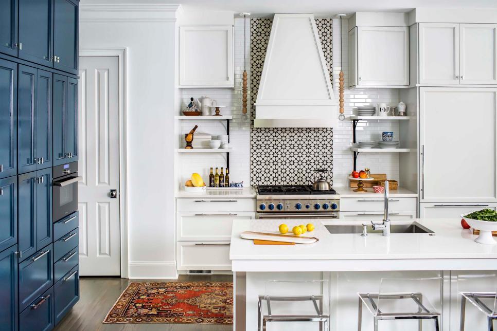 20 bold kitchens backsplashes that make