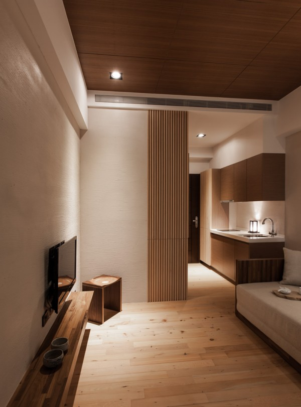 Charming Modern Japanese House with Wooden Structure ...
