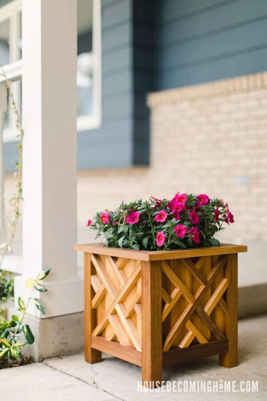 Cedar Planter DIY Plans