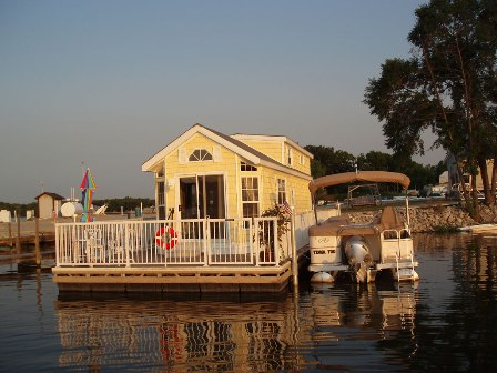 Lake Erie floating home
