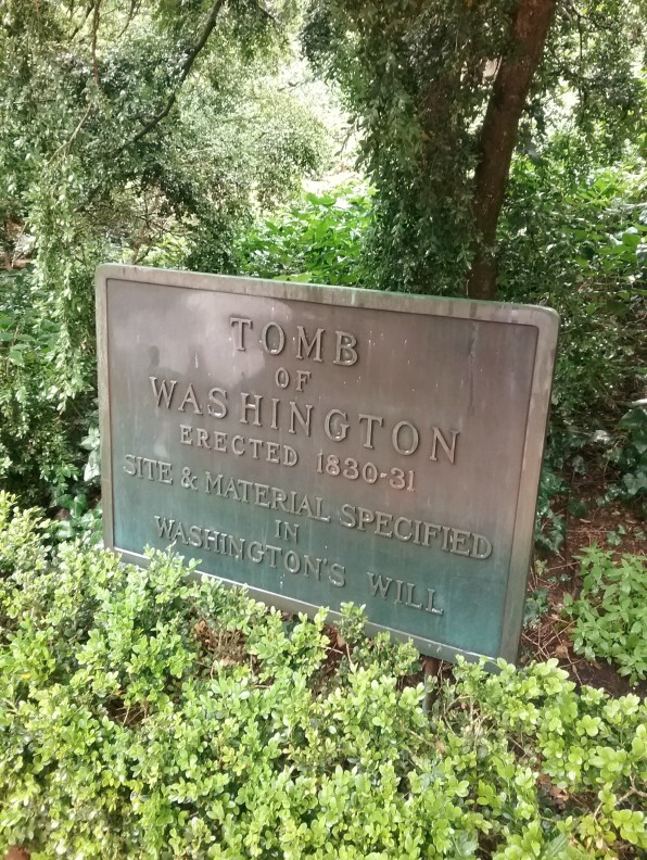 Tomb of George and Martha Washington