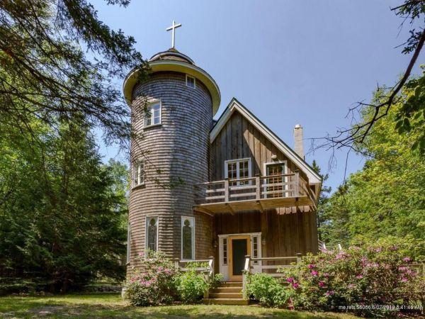 A house built like a church