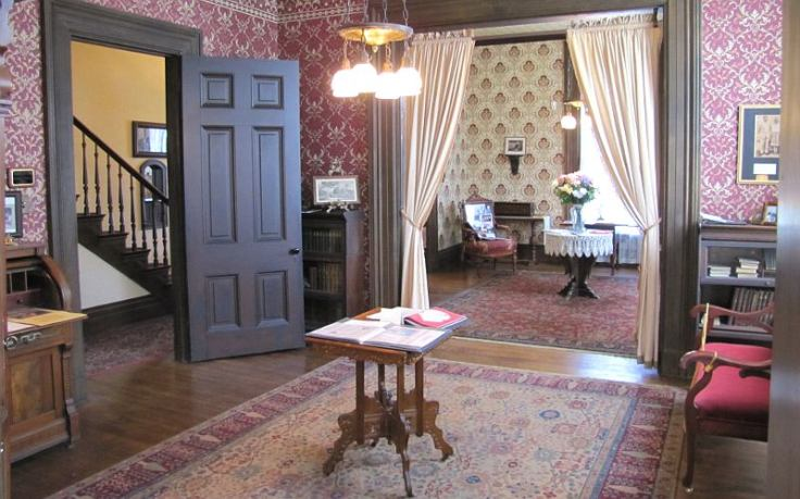 Amelia Earhart House Museum in Kansas interior