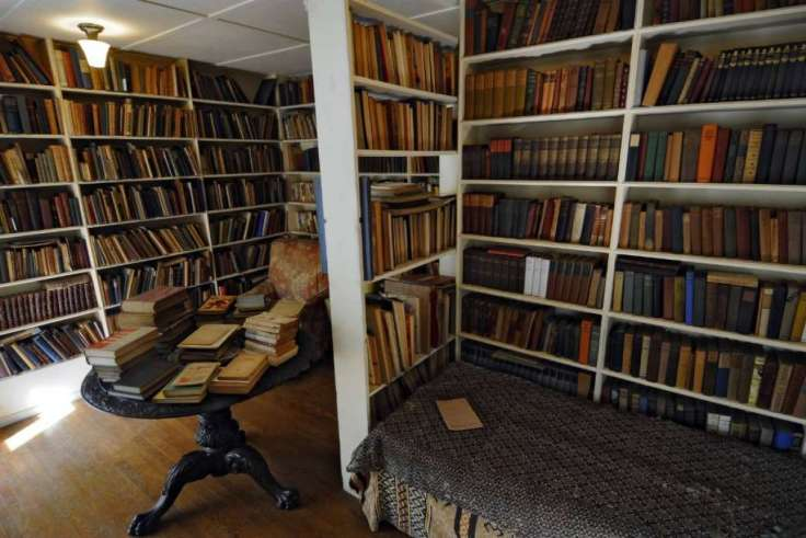 Edna St. Vincent Millay's personal library