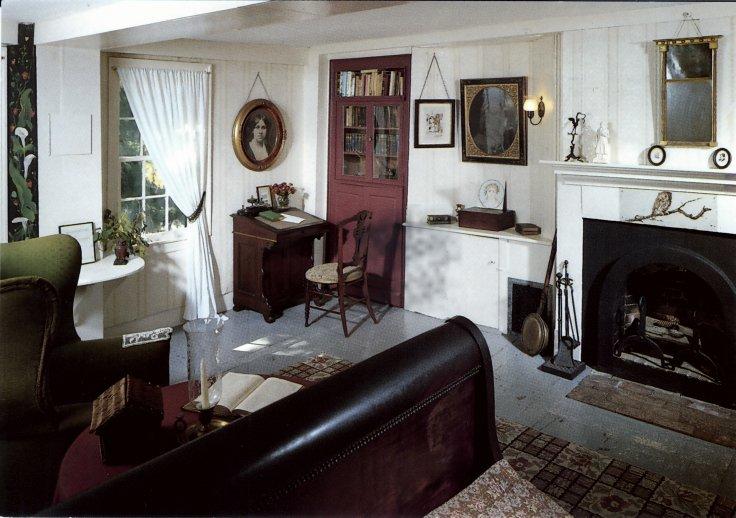 Louisa May Alcott Orchard House bedroom