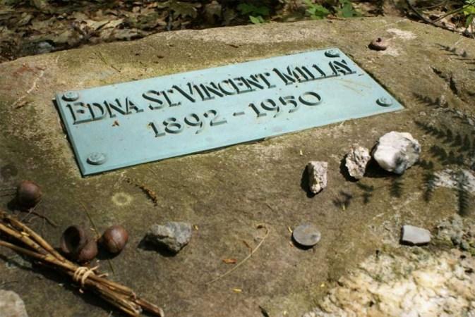 grave of Edna St. Vincent Millay