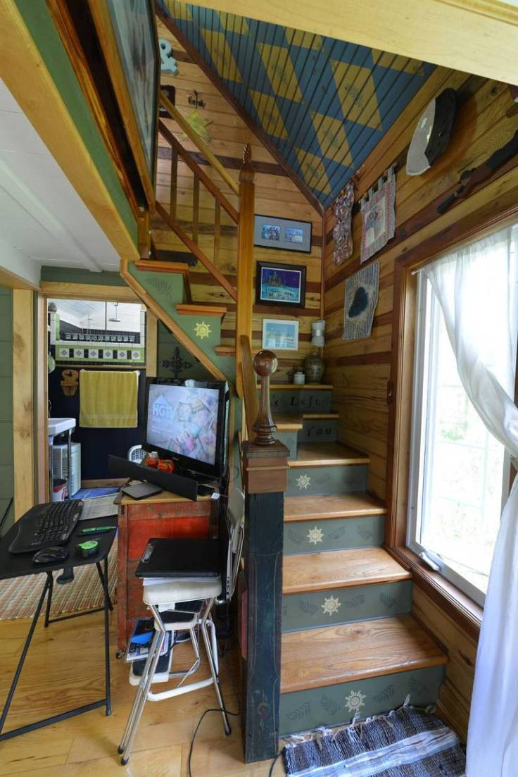 Funky Hand Built Tiny House in Ohio