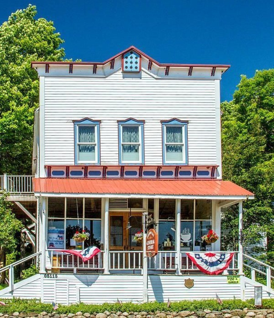 Horton-Bay-General-Store-Michigan