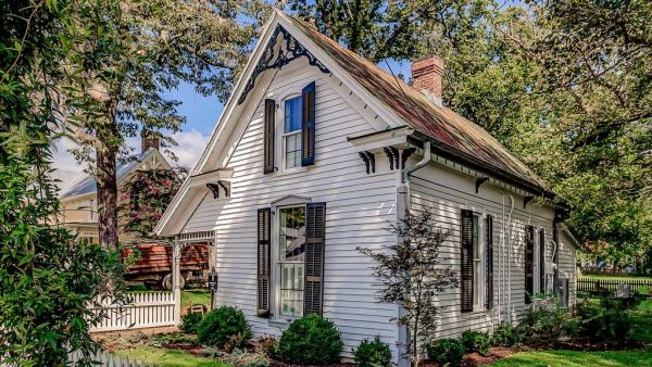 Leipers Fork Cottage