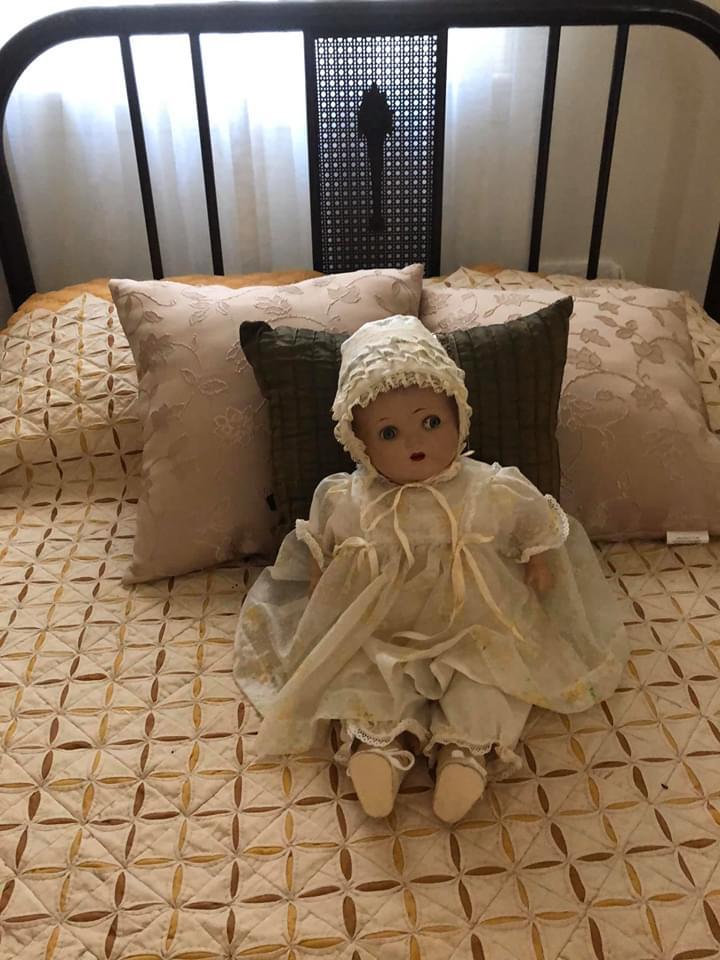 creepy old dolls