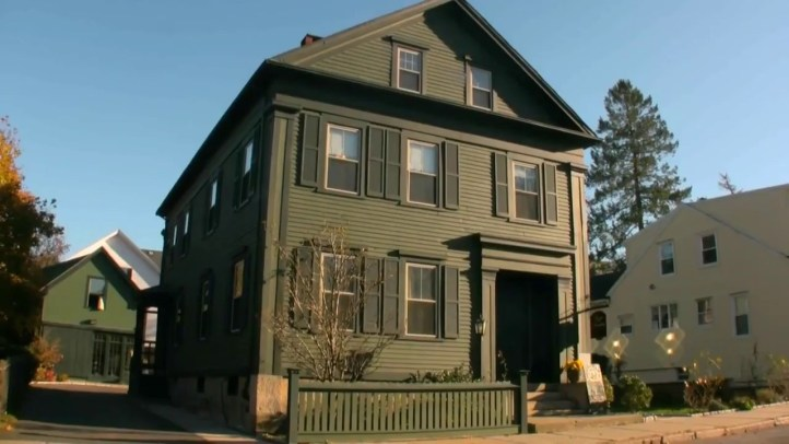 Lizzie-Borden-murder-house-in-MA