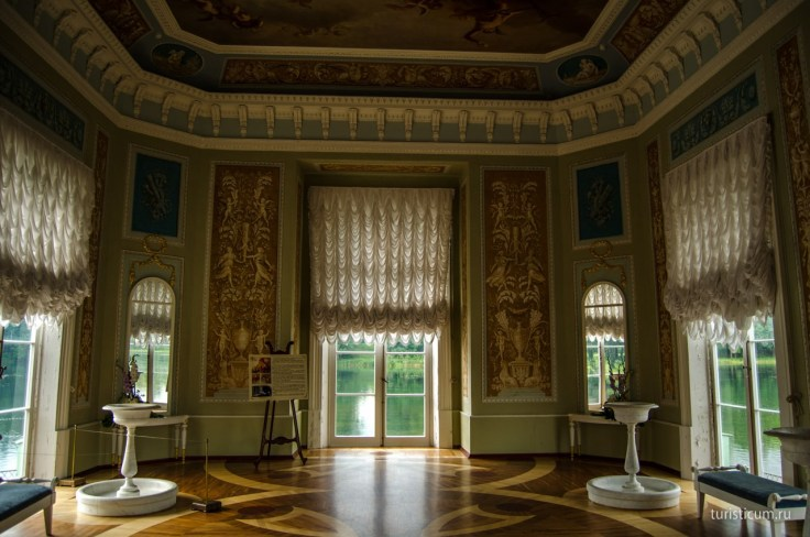 inside-the-Venus -Pavilion-Island-Of -Love-Imperial-Residence-Gatchina-Russia