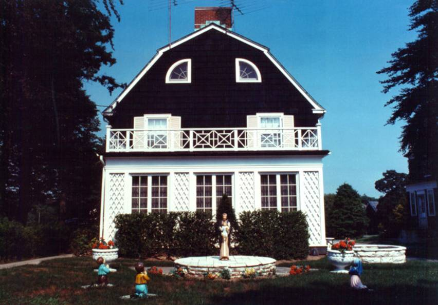 the-real-life-Amityville-Horror-House