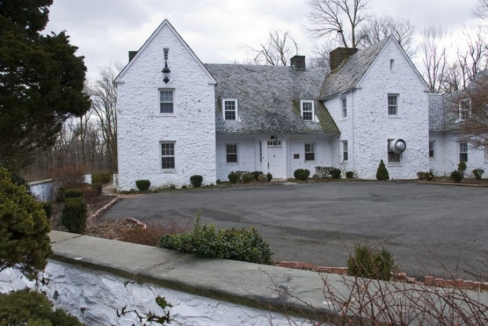 Charles-Lindbergh-estate-in-New-Jersey-exterior-today