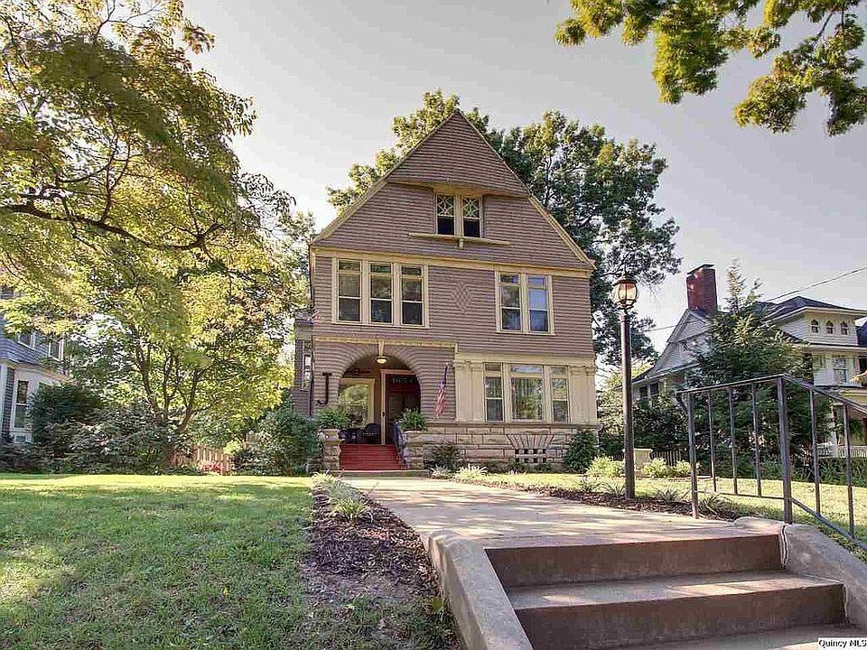 Illinois gorgeous old house