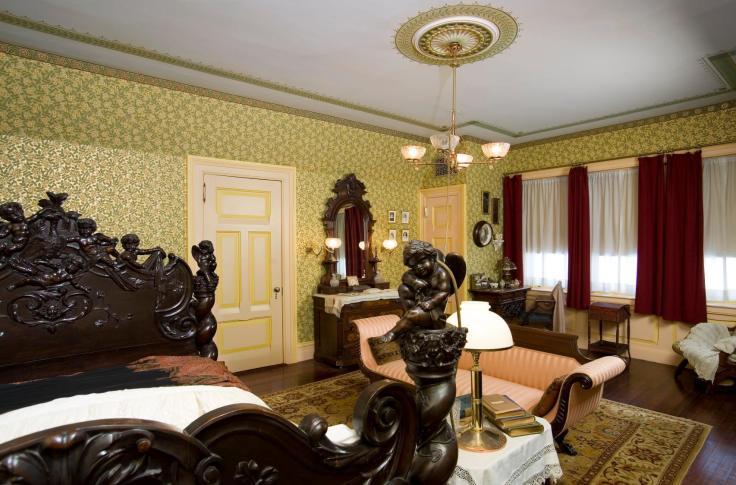 inside the Mark Twain house