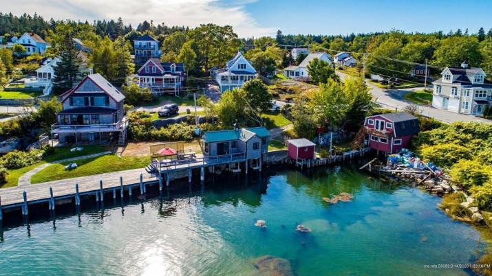 Dock house for sale in Stonington Maine