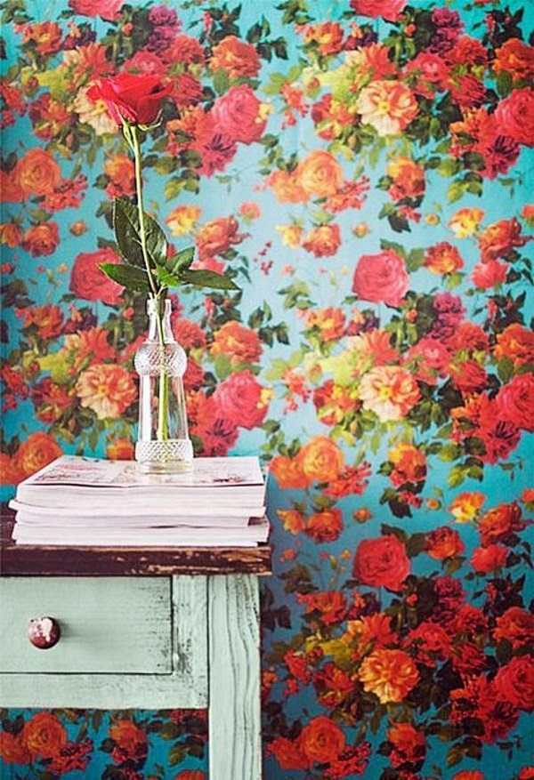 floral wallpaper making a comeback