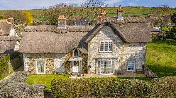 Heath Cottage in Brighstone Village Isle of Wight