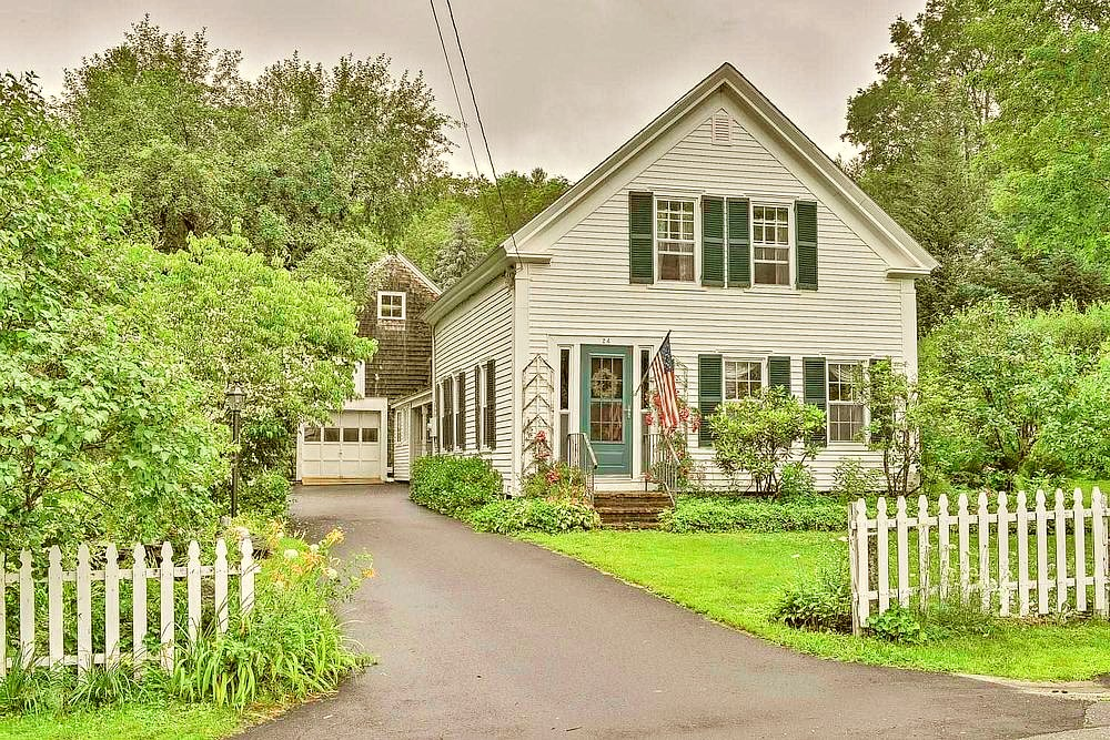 1851 Colonial for sale in New Hampshire