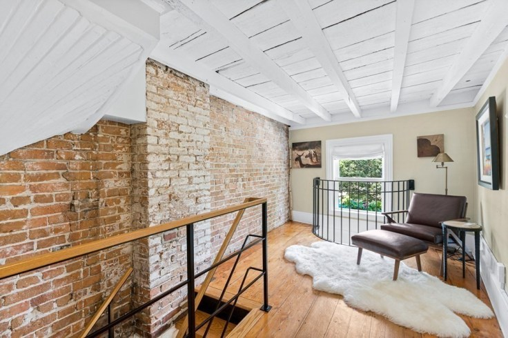 the Skinny House in Boston is for sale