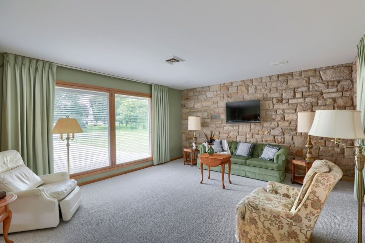 Mid-century modern time capsule rancher
