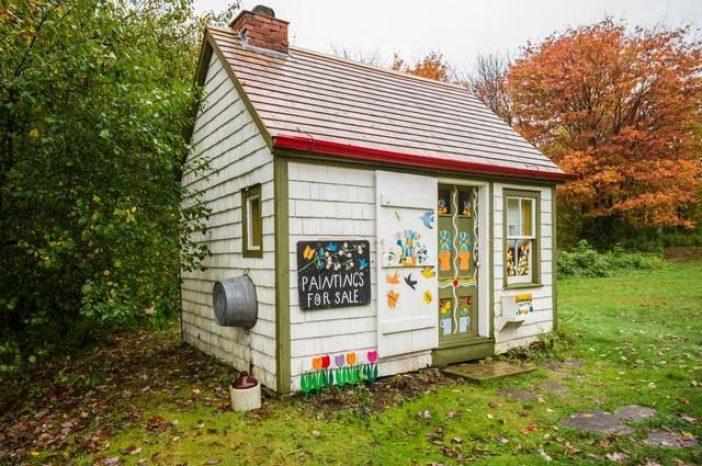 Maude Lewis replica house