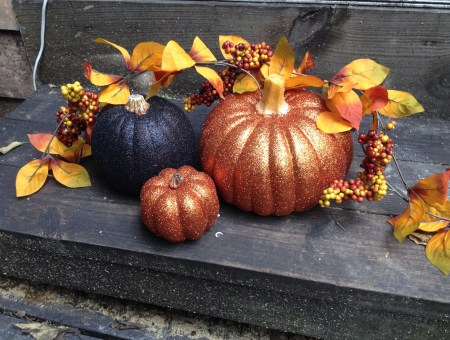 Halloween Glitter Pumpkins: Holiday Crafts || House. Food. Baby