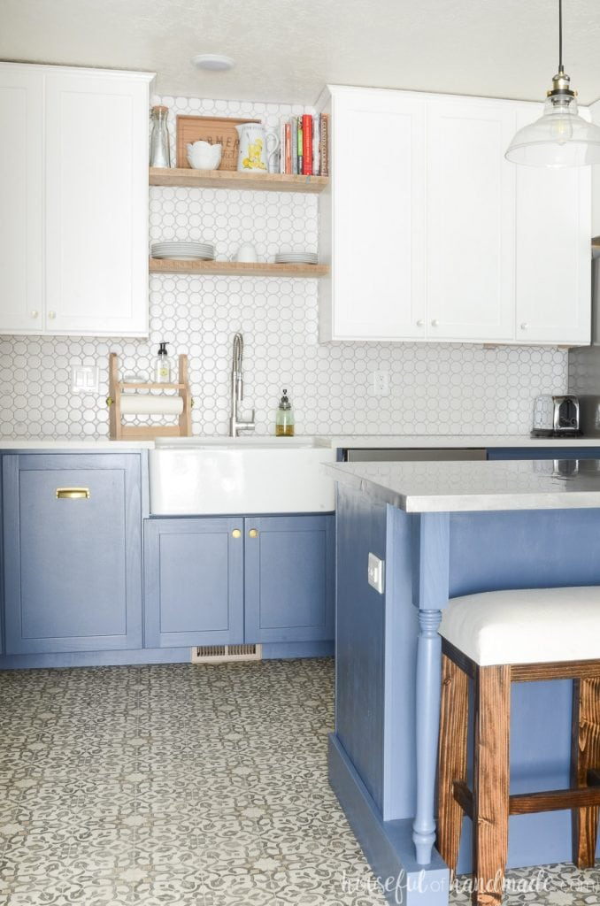 to build a farmhouse sink base cabinet