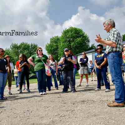 Want to Learn More About Your Food? Join These City Moms Touring Illinois Farms