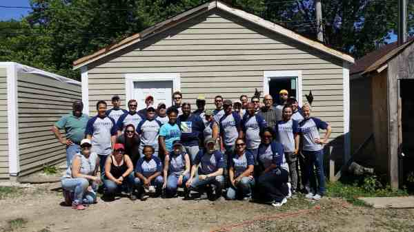 The-Houseful-Builds-Windy-City-Habitat-For-Humanity