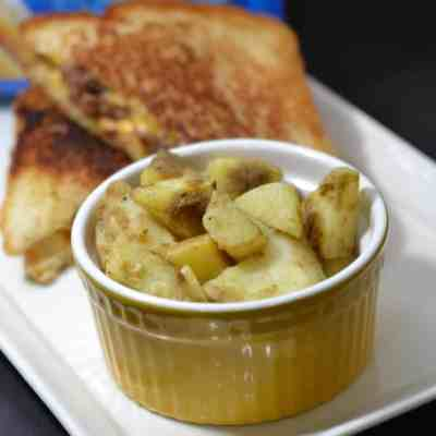 Grilled Cheese Burgers with Birds Eye Flavor Full Sour Cream & Onion Potatoes