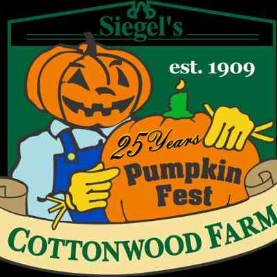 Fall Corn Maze Fun at Siegel's Cottonwood Farm