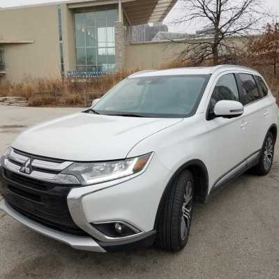 Mom & Me Time in the Mitsubishi Outlander SEL Touring