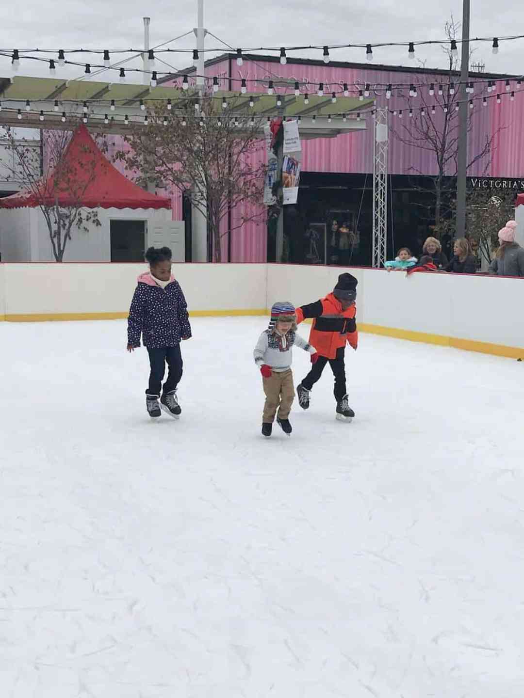 Holiday Fun at Oakbrook Center
