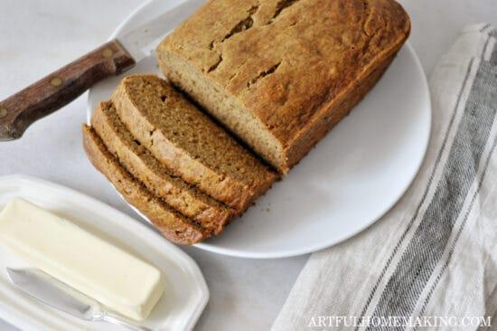 Homestead Blog Hop Feature - naturally-sweetened-banana-bread-recipe