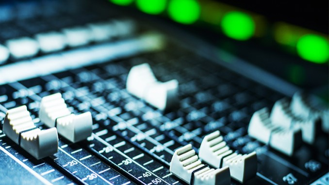 house music radio station